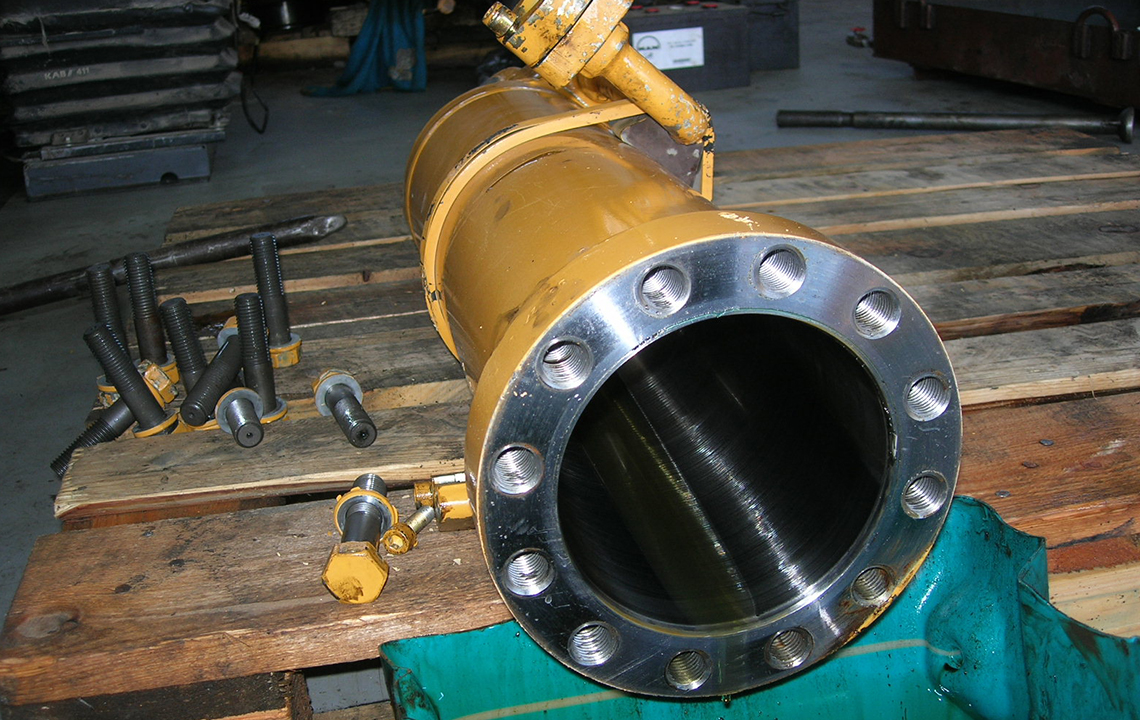 Ремонт цилиндра экскаватора